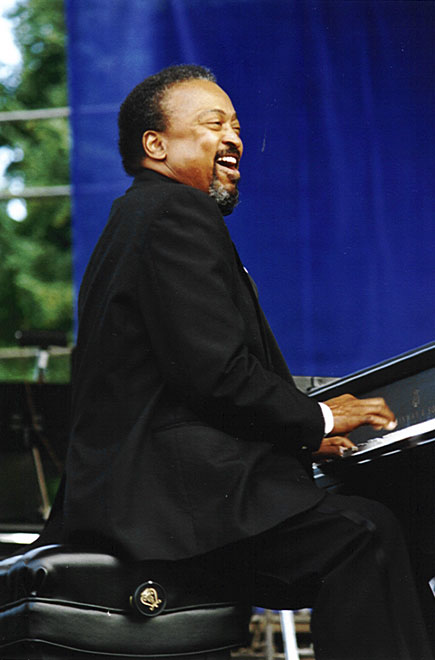 Gene Harris - Discography (1968-2013) (LOSSLESS & MP3)